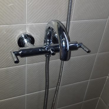 Replace-shower-tap-plumber-singapore-4_wm.jpg
