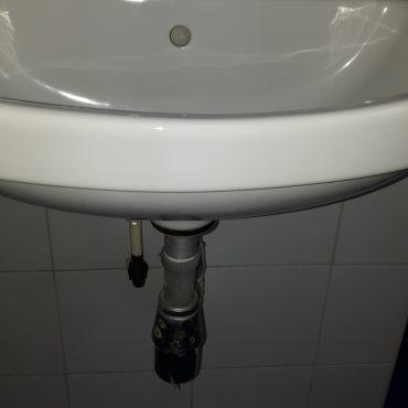 Replace-wash-basin-tap-plumber-singapore-2_wm.jpg