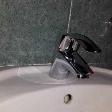 Replace-wash-basin-tap-plumber-singapore-3_wm.jpg