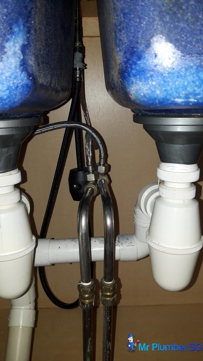 replace-kitchen-sink-mixer-tap-plumber-singapore-4_wm - Mr Plumber ...