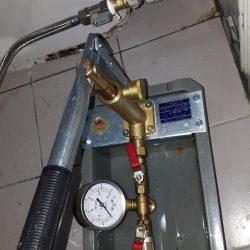 water-pressure-test-toilet-concealed-pipe-leak-plumber-singapore-2