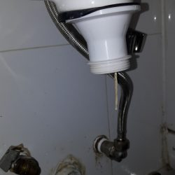 Clear-bathroom-sink-bottle-trap-choke-plumber-singapore-3