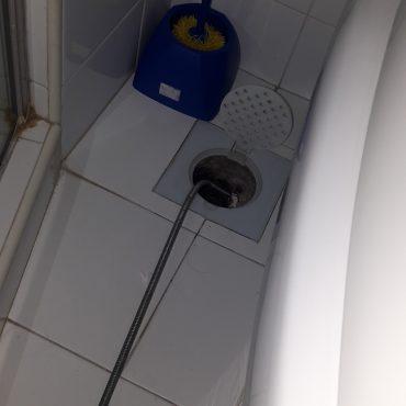clear-floor-trap-choke-plumber-singapore-tulip-garden-2.jpg