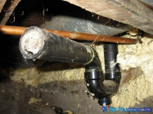 Grease-Clogged-Drain-Pipe_wm