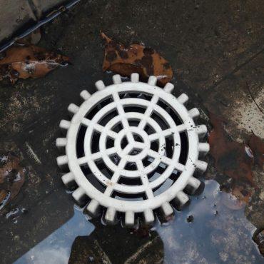 clear-water-pipes-choke-plumber-singapore_wm.jpg