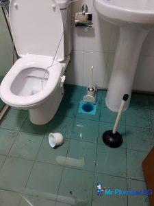 clogged-drain-repair-plumber-singapore_wm