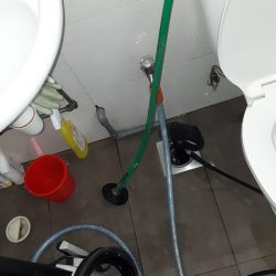 Clearing-of-floor-trap-choke-plumber-singapore-Commercial-Bartley-2