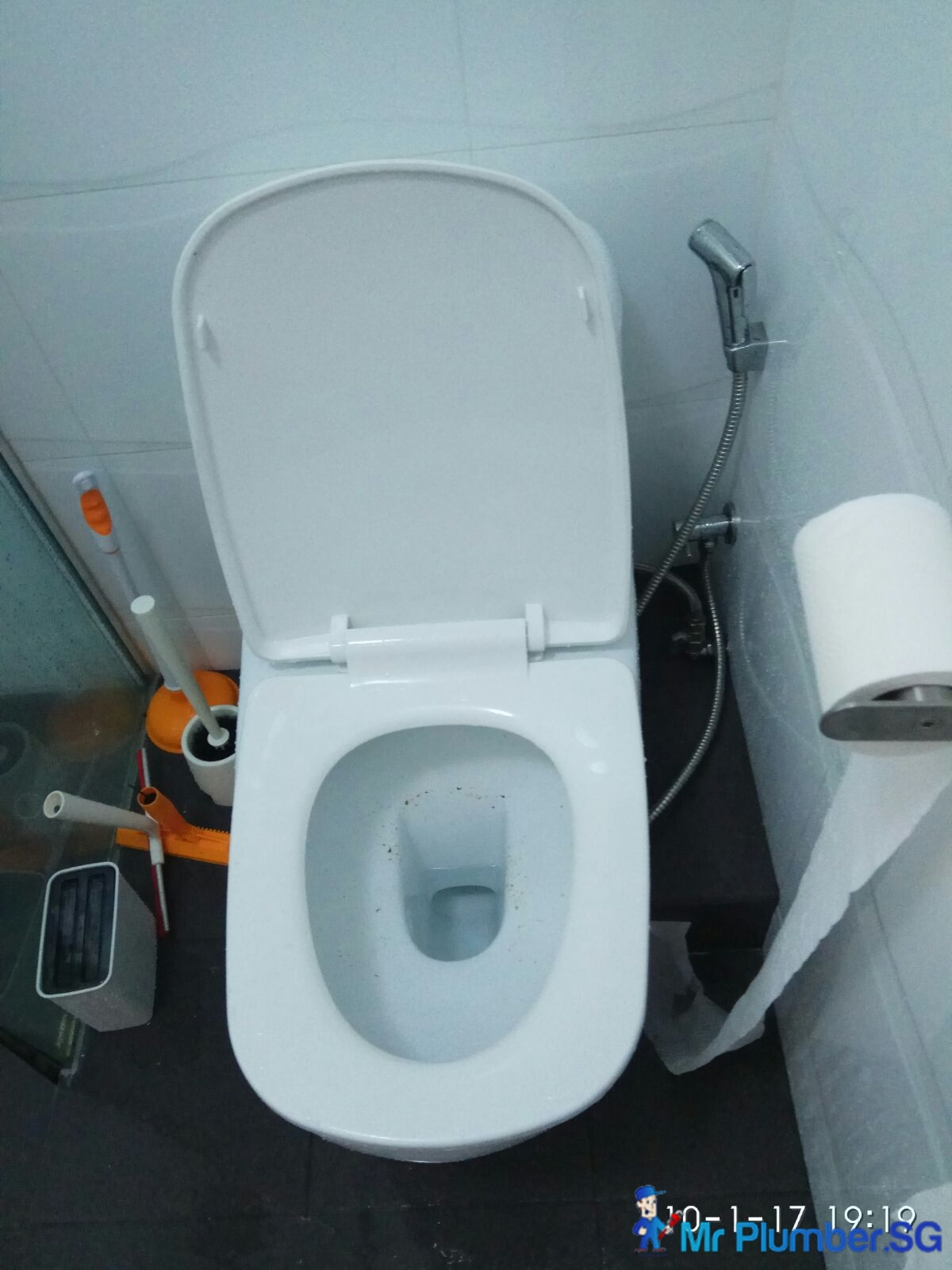 Clear Drainage Toilet Pipe Choke Plumber Singapore HDB Bukit