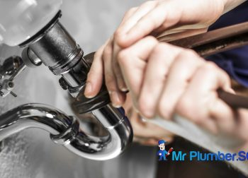 Common Mistakes People Make When Choosing An Emergency Plumber