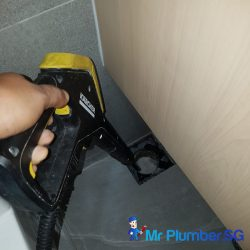 clear-floor-trap-choke-services-plumber-singapore-hdb-tampines-3_wm